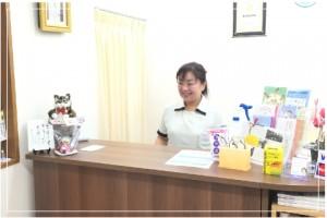 受付では、カスタマーマネージャーが笑顔でお出迎え。